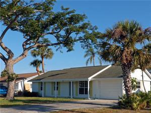 4057 Mohawk Pl, Naples, FL 34112