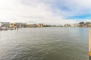 299 Harbour Dr 202, Naples, FL 34103