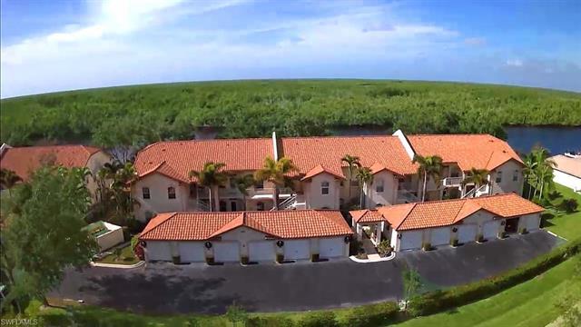 242 Newport Dr 503, Naples, FL 34114