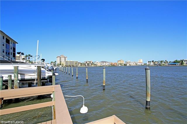 271 Southbay Dr 229, Naples, FL 34108