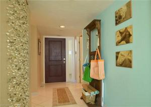 10851 Gulf Shore Dr 702, Naples, FL 34108
