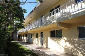820 Ketch Dr 2, Naples, FL 34103