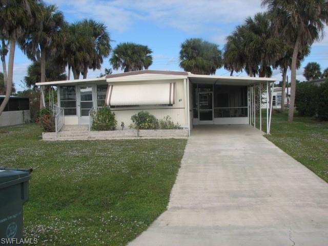 19 Henderson Dr, Naples, FL 34114
