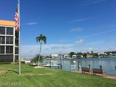 2900 Gulf Shore Blvd N 102, Naples, FL 34103