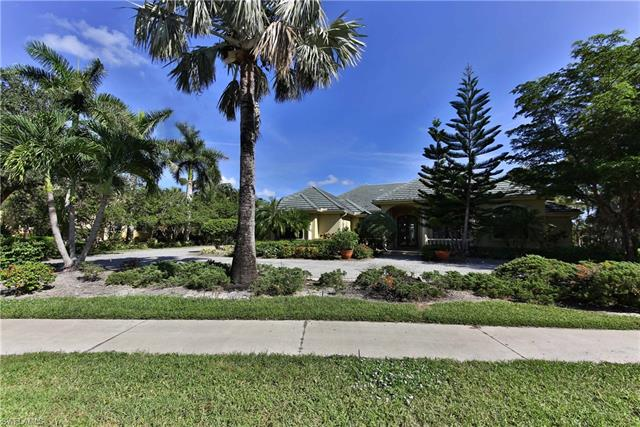 4548 Brynwood Dr, Naples, FL 34119