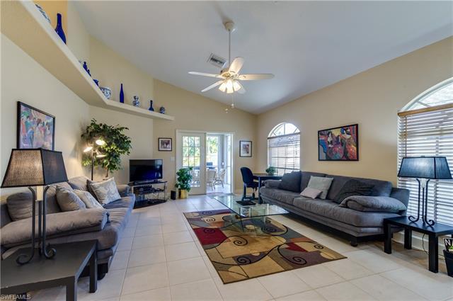 819 96th Ave N, Naples, FL 34108