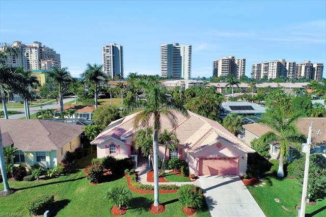 220 Beachcomber St, Marco Island, FL 34145