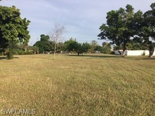 27741 South Roslin Pl, Bonita Springs, FL 34135