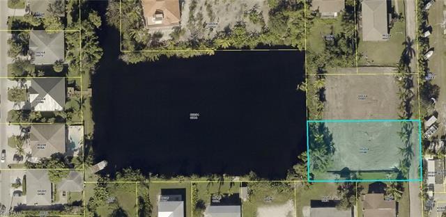3870 Bennett Ln, Bonita Springs, FL 34134