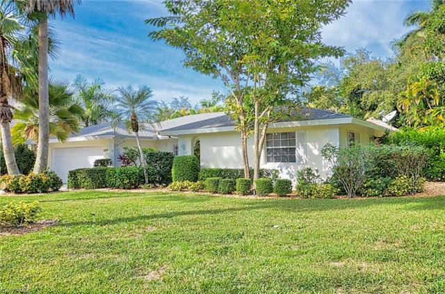 405 Putter Point Dr, Naples, FL 34103