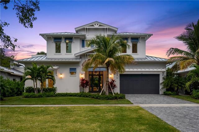 473 1st Ave S, Naples, FL 34102