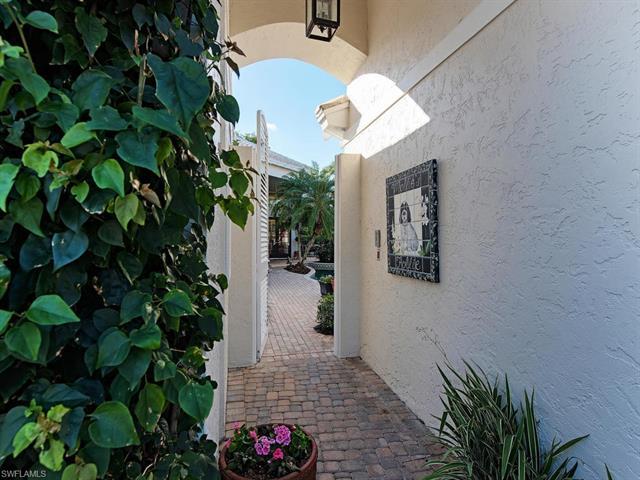 7807 Cocobay Ct, Naples, FL 34108