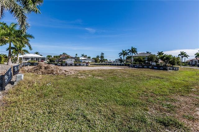 243 Edgewater Ct, Marco Island, FL 34145