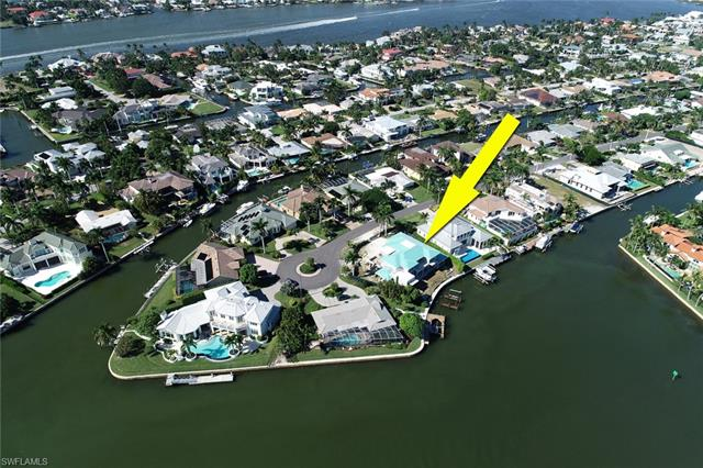 2295 Snook Dr, Naples, FL 34102