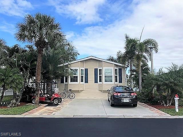 1054 Silver Lakes Blvd, Naples, FL 34114