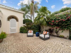 7822 Cocobay Ct, Naples, FL 34108