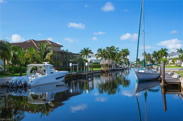 1805 Kingfish Rd, Naples, FL 34102
