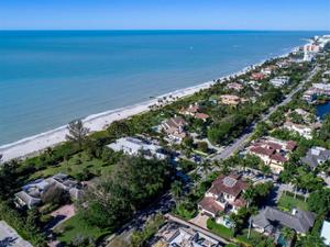 325 Gulf Shore Blvd N, Naples, FL 34102