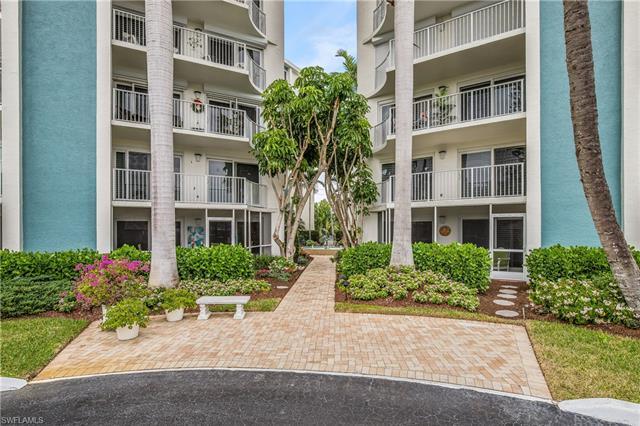 1300 Gulf Shore Blvd N 304, Naples, FL 34102