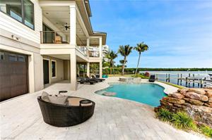 290 Estrellita Dr, Fort Myers Beach, FL 33931