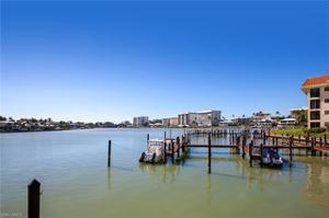 222 Harbour Dr 110, Naples, FL 34103