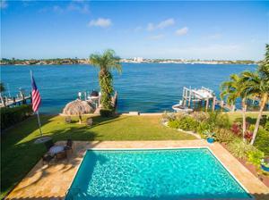1555 Dolphin Ln, Naples, FL 34102