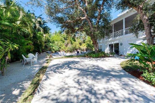 1846 Granada Dr, Marco Island, FL 34145