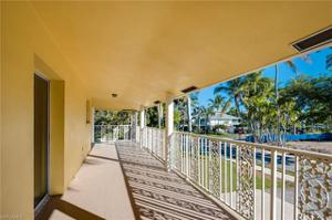 670 9th Ave S, Naples, FL 34102