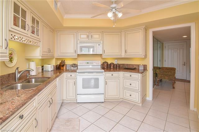 4551 Gulf Shore Blvd N 1505, Naples, FL 34103
