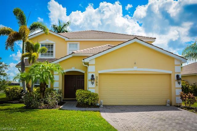 2793 Amberwood Ct, Naples, FL 34120