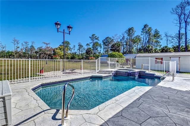 1060 Everglades Blvd N, Naples, FL 34120