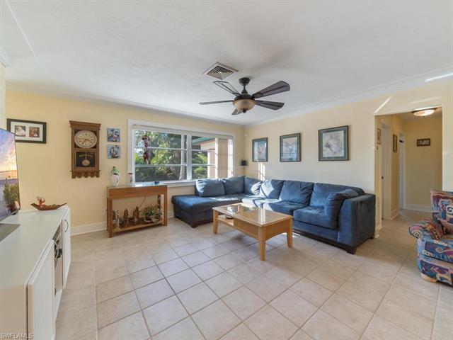 1021 Rordon Ave, Naples, FL 34103
