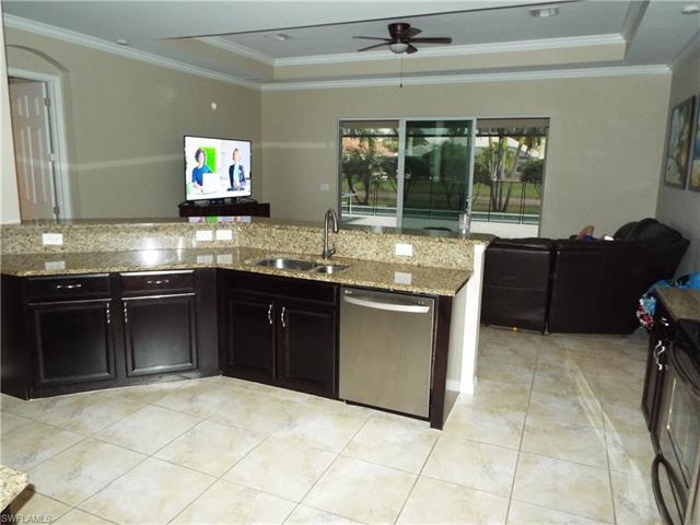 311 Saddlebrook Ln, Naples, FL 34110