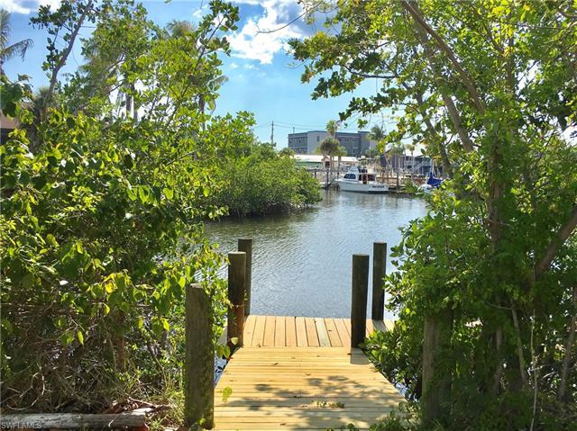 17890 Grey Heron Ct, Fort Myers Beach, FL 33931