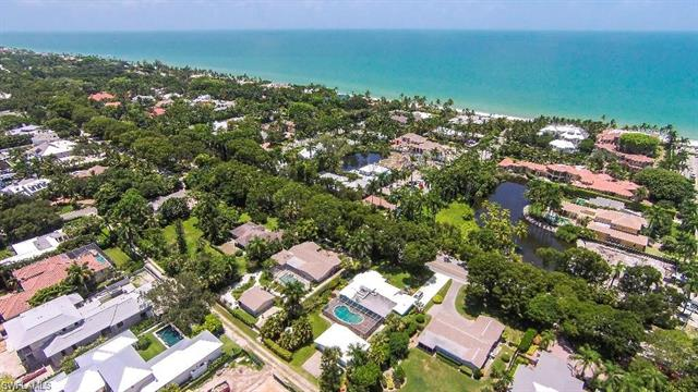 1675 Gordon Dr, Naples, FL 34102