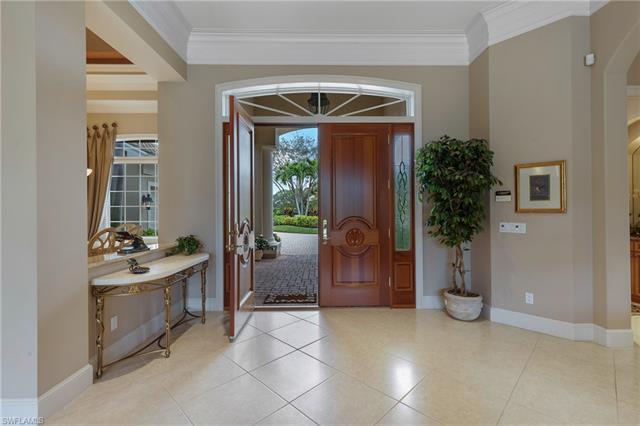 200 Cheshire Way, Naples, FL 34110