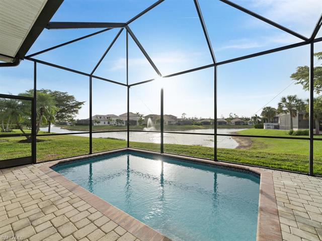 1685 Serrano Cir, Naples, FL 34105