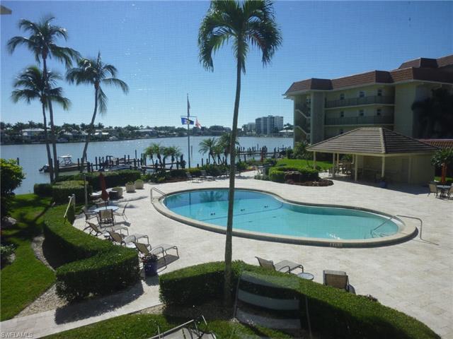 222 Harbour Dr 206, Naples, FL 34103