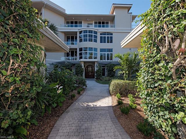 2630 Grey Oaks Dr N B-19, Naples, FL 34105
