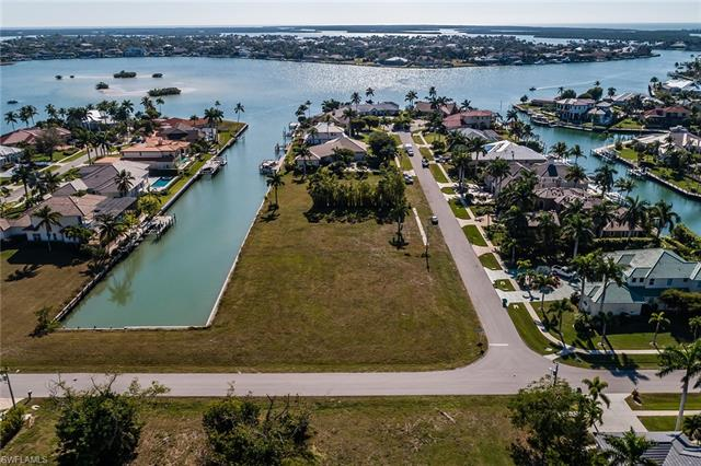 531 Hammock Ct, Marco Island, FL 34145
