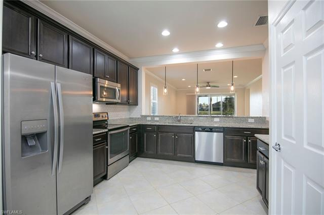 8472 Benelli Ct, Naples, FL 34114