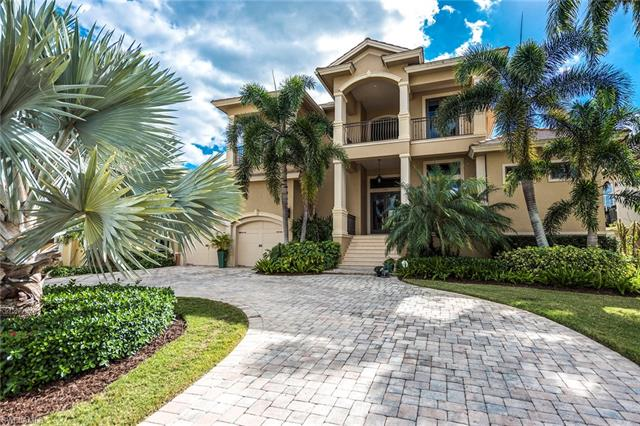 552 14th Ave S, Naples, FL 34102