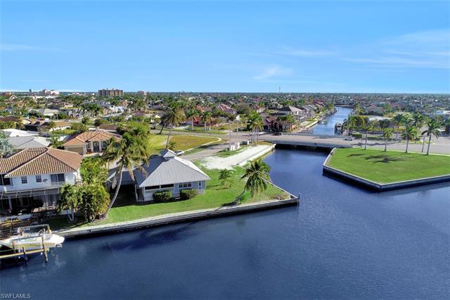 358 Cetury Dr, Marco Island, FL 34145
