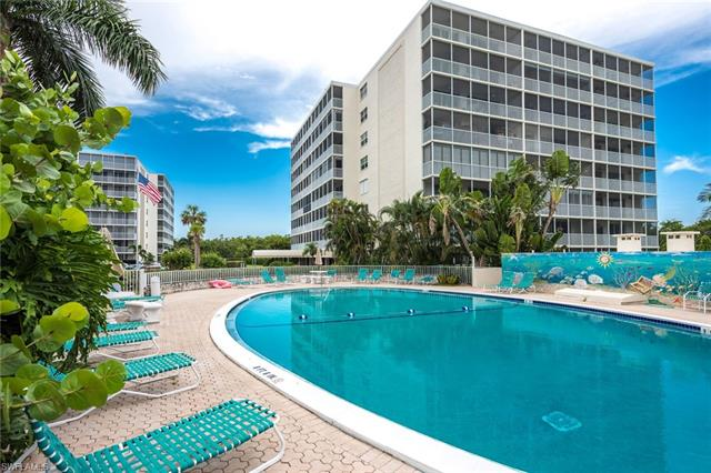 5 Bluebill Ave 310, Naples, FL 34108