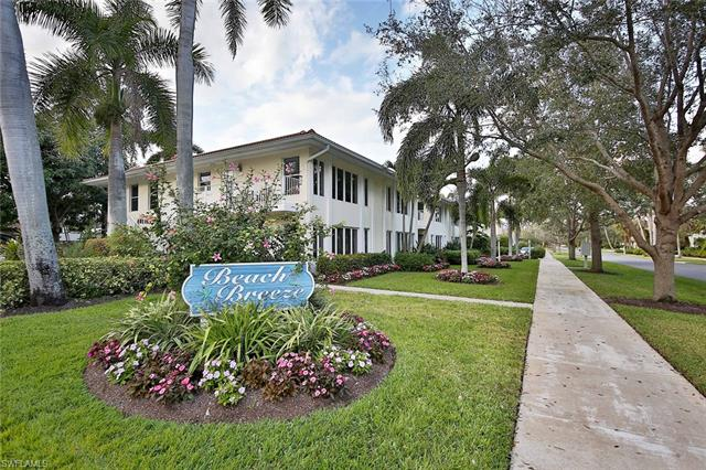 288 4th St S 102, Naples, FL 34102