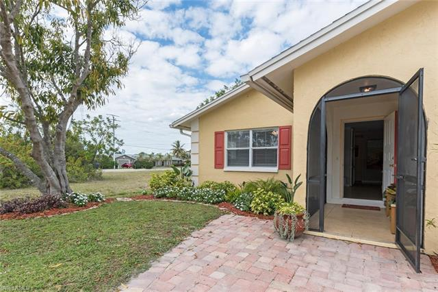 807 92nd Ave N, Naples, FL 34108