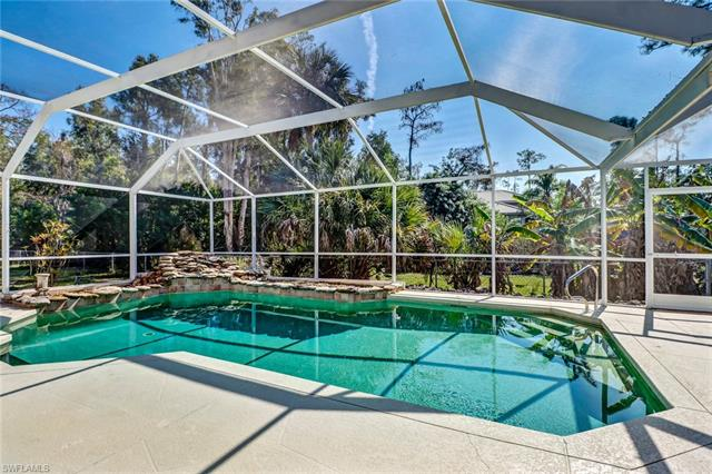 1590 Oakes Blvd, Naples, FL 34119