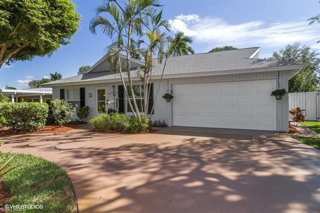 1130 8th Ter N, Naples, FL 34102