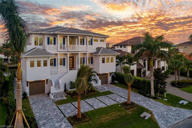 450 Tradewinds Ave, Naples, FL 34108