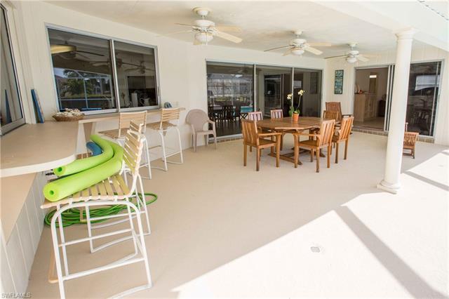 276 Grapewood Ct, Marco Island, FL 34145